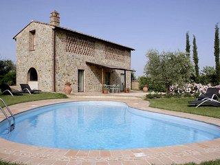 3 bedroom Villa in Fattoria del Castagno, Tuscany, Italy : ref 5247804