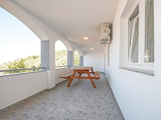 4 bedroom Apartment in Gospić, Ličko-Senjska Županija, Croatia : ref 5521663
