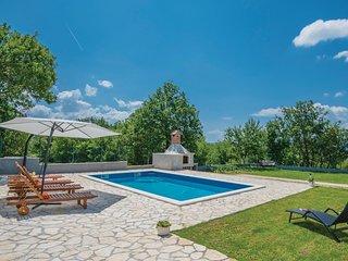 5 bedroom Villa in Perišići, Splitsko-Dalmatinska Županija, Croatia : ref 557425
