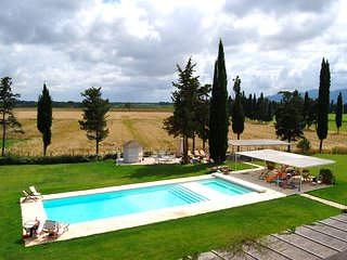 2 bedroom Apartment in Braccagni, Tuscany, Italy : ref 5247645