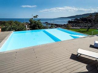 1 bedroom Apartment in Stazzo, Sicily, Italy : ref 5247338