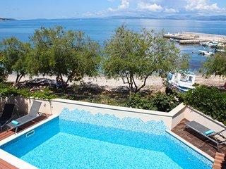 Mirca Villa Sleeps 14 with Pool and Air Con