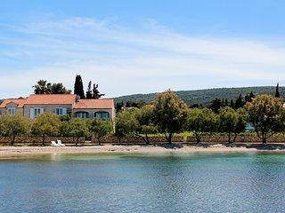 7 bedroom Villa in Mirca, Splitsko-Dalmatinska Zupanija, Croatia : ref 5639518