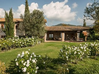 7 bedroom Villa in Stiacciarelle, Umbria, Italy : ref 5247509