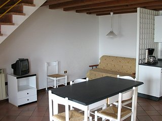 1 bedroom Apartment in Garda, Veneto, Italy : ref 5248546