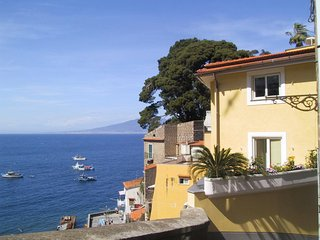 1 bedroom Apartment in Sorrento, Campania, Italy : ref 5639290