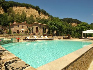 6 bedroom Villa in San Quirico, Umbria, Italy - 5247510