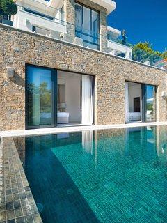 4 bedroom Villa in Sumartin, Splitsko-Dalmatinska Zupanija, Croatia : ref 563952