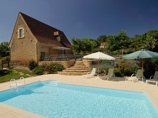 3 bedroom Villa in Saint-Avit-de-Vialard, Nouvelle-Aquitaine, France : ref 52487