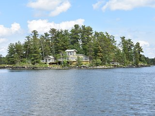 Sunset Island on Lake of the Woods - Beautiful, Modern & Private