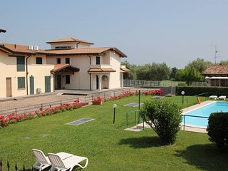 1 bedroom Apartment in Cunettone-Villa, Lombardy, Italy : ref 5438849