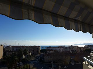 2 bedroom Apartment in Frejus, Provence-Alpes-Cote d'Azur, France : ref 5311054