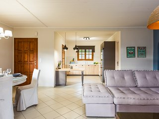 2 bedroom villa 1,5 km to the Sea!!