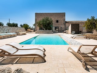5 bedroom Villa in Fortugno, Sicily, Italy : ref 5639270