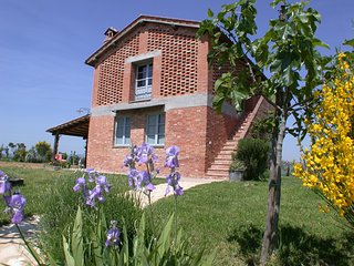 3 bedroom Villa in Isola D'Arbia, Tuscany, Italy : ref 5247770