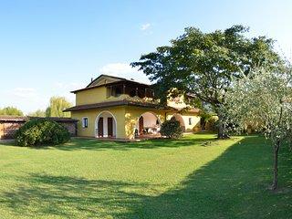 4 bedroom Villa in Sant'Andrea di Compito, Tuscany, Italy : ref 5247722