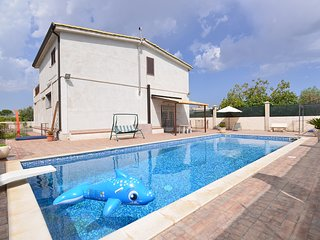2 bedroom Villa in Floridia, Sicily, Italy - 5639269