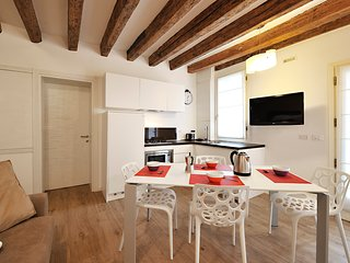 3 bedroom Apartment in Sestiere di San Polo, Veneto, Italy : ref 5248497