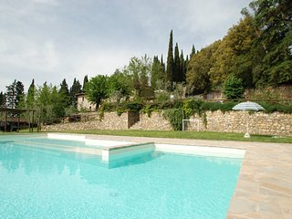 3 bedroom Apartment in Pieve A Presciano, Tuscany, Italy : ref 5247564