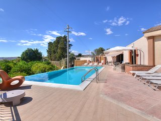 5 bedroom Villa in Floridia, Sicily, Italy : ref 5639285