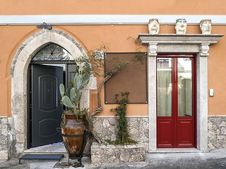 2 bedroom Apartment in Taormina, Sicily, Italy : ref 5247332