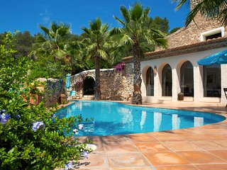 Stone Cottage close to Sitges sleep 4