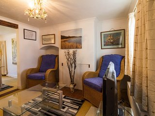 Beautiful holiday cottage in Lowestoft. Sleeps 4. *Pets allowed. REF 41004
