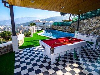 2 bedroom Apartment in Sant'Agata sui Due Golfi, Campania, Italy : ref 5248210