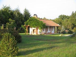 La Finca, maisonnette traditionnelle, face a la piscine