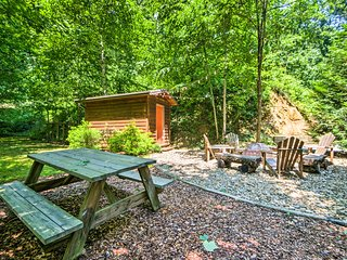 NEW! Bryson City Cabin w/Hot Tub, Fire Pit & Porch