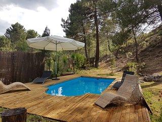 Chalet de montaña con piscina privada en Parque Calar del Río Mundo