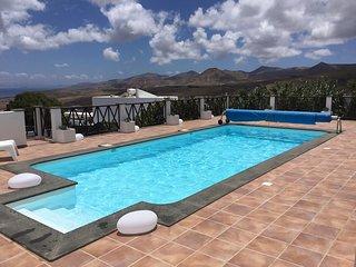 Privates Ferienhaus Casa Ocean View mit Meer und Bergblick, eigene Boule Bahn