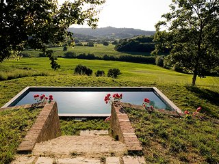 4 bedroom Villa in Ghizzano, Tuscany, Italy : ref 5639301