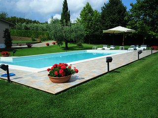 4 bedroom Villa in Fonte dell'Usignolo, Latium, Italy : ref 5313049