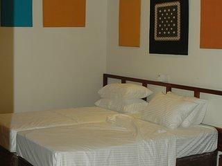 Relax Inn Hikkaduwa (Bedroom 1), holiday rental in Rathgama
