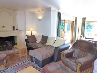 Spacieux appartement 4 pièces avec une très belle vue. Etage d'un chalet.