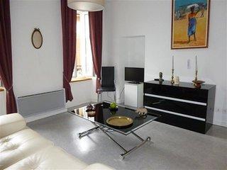 Agreable appartement dans rue pietonne