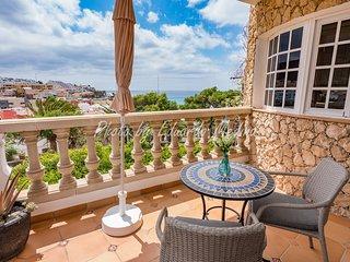 Precioso apartamento con vistas al mar y piscina