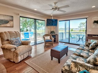 2 Bedroom 2 Bath Bayside Condo at Sandestin Resort ~ Walk to Pool ~ Golf Cart In