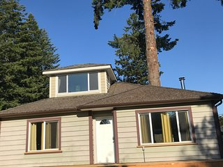 Casita Lago- charming 2-bedroom house near lake and town
