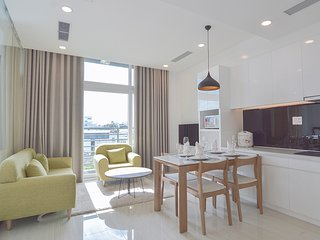 Son & Henry - FI1A - Spacious 1BR Apartment, CBD, Rooftop Pool and Sky Bar