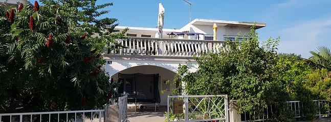 Apartment No.3, alquiler vacacional en Pirovac