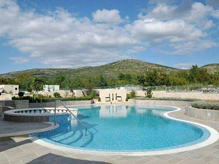 Luxury villa Nada, quiet paradise with pool and tennis court