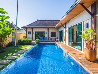 VD10: Oriental Layan 4BR Private Pool-Full Kitchen