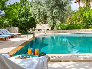 peaceful holiday villa with garden and shared pool