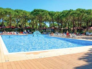 2 bedroom Apartment in Cortellazzo, Veneto, Italy : ref 5641504