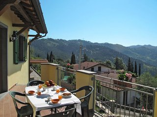 6 bedroom Apartment in Corsanico-Bargecchia, Tuscany, Italy : ref 5641389