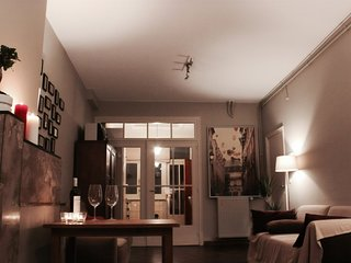 Cozy Apartment 67 mq with courtyard in Antwerp Historic Centre, near University.