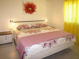 5 bedroom Villa in Prapatnica, Splitsko-Dalmatinska Zupanija, Croatia : ref 5640