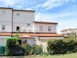 3 bedroom Apartment in Karpinjan, Istria, Croatia : ref 5640965